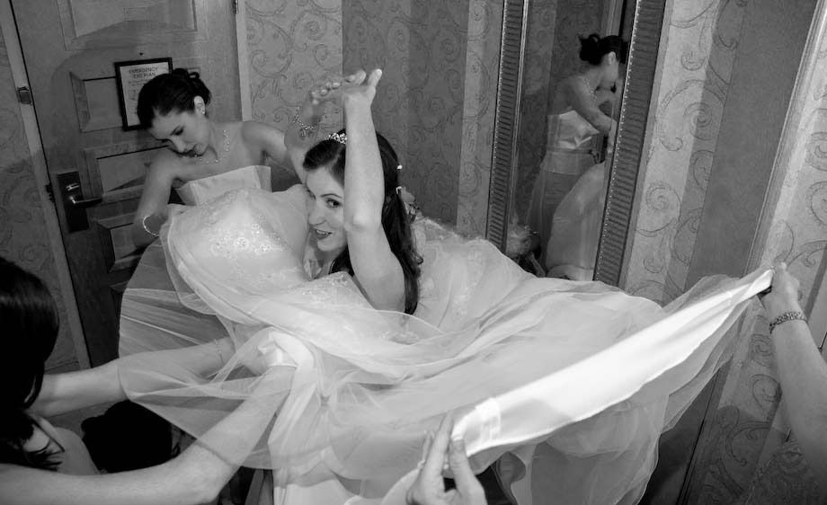 7_0_10_1Wedding_Candid_105.jpg