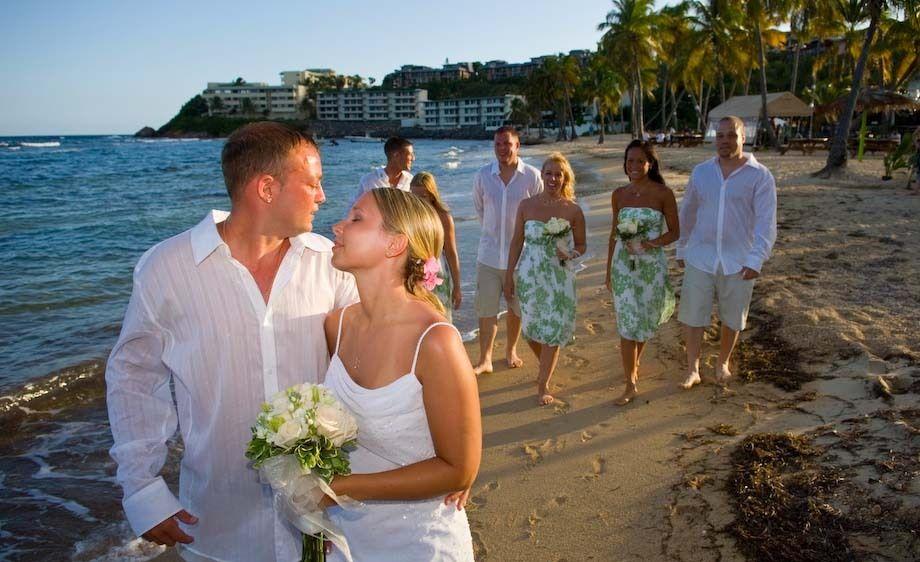 2_0_4_1Island_Wedding_Candid_133.jpg