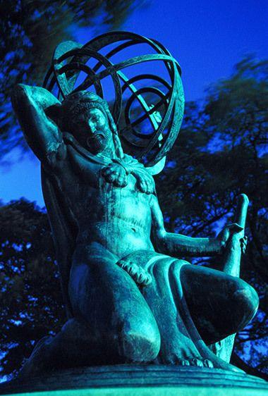 1Atlas_statue.jpg