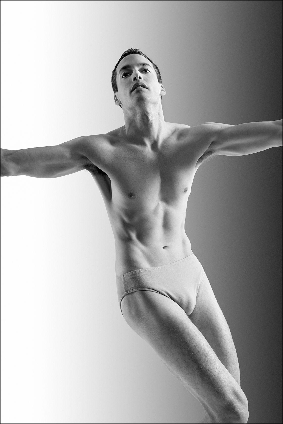 Dancer1_F_W2.jpg