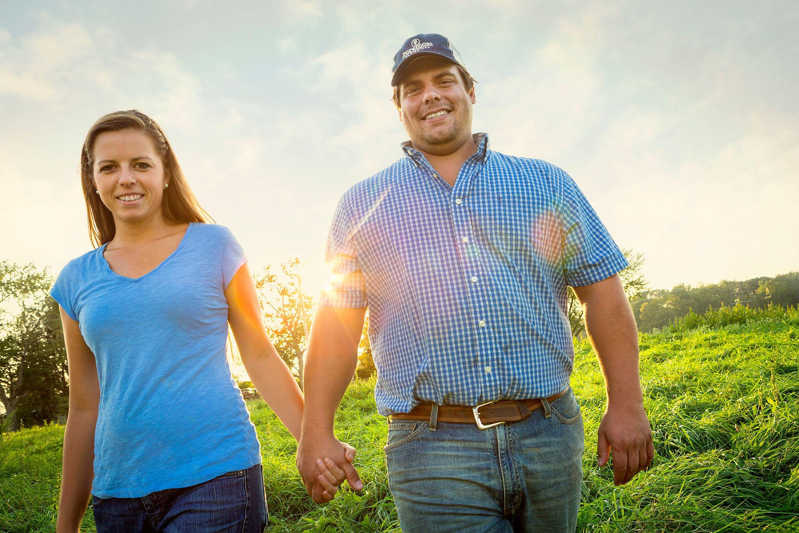 Farm_Couple_HARP3121_F_W.jpg