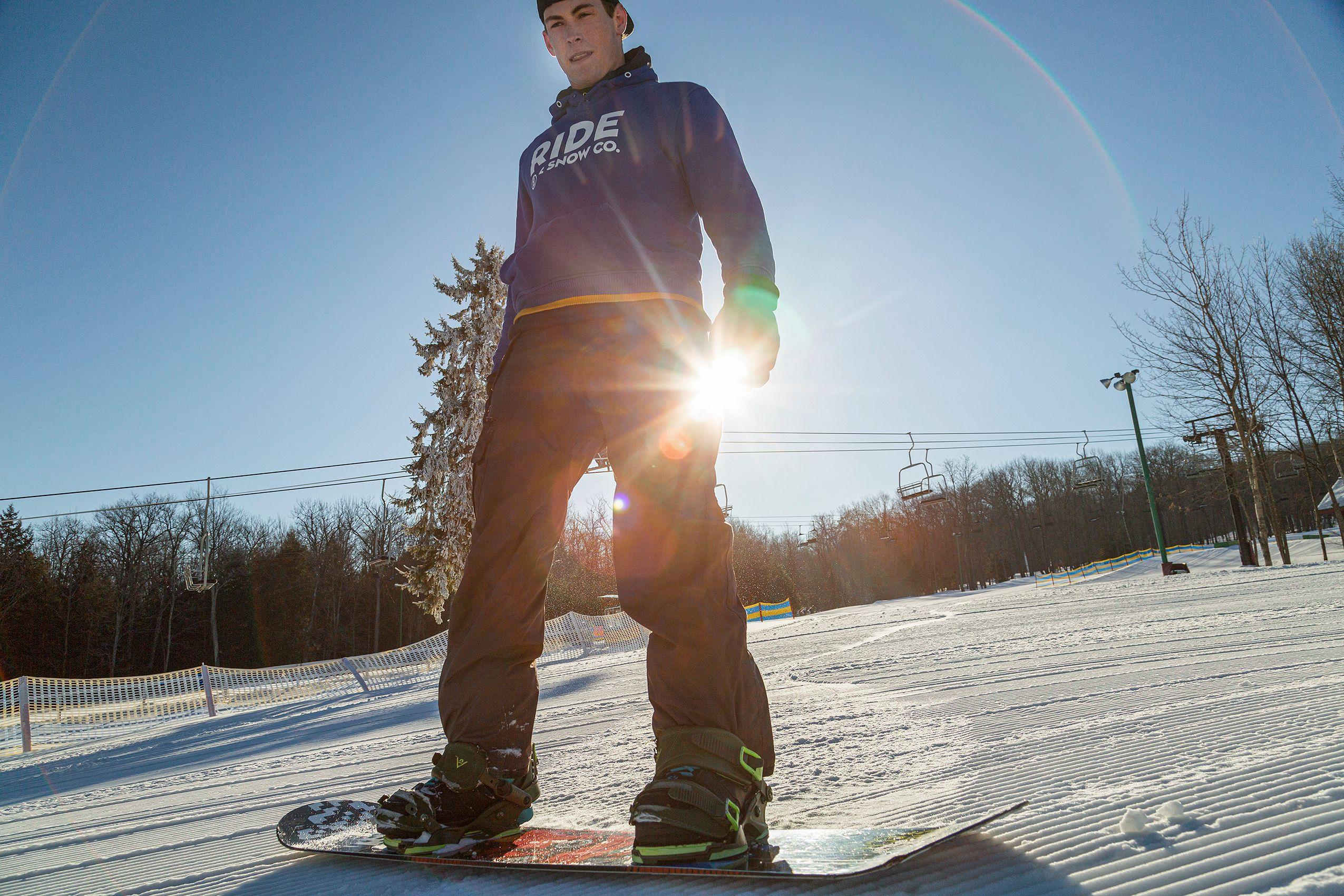 Snowboarding_ARP9461_W.jpg