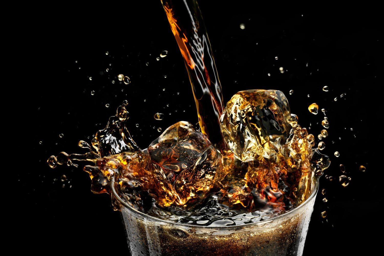 1coca_cola_pour__splash.jpg