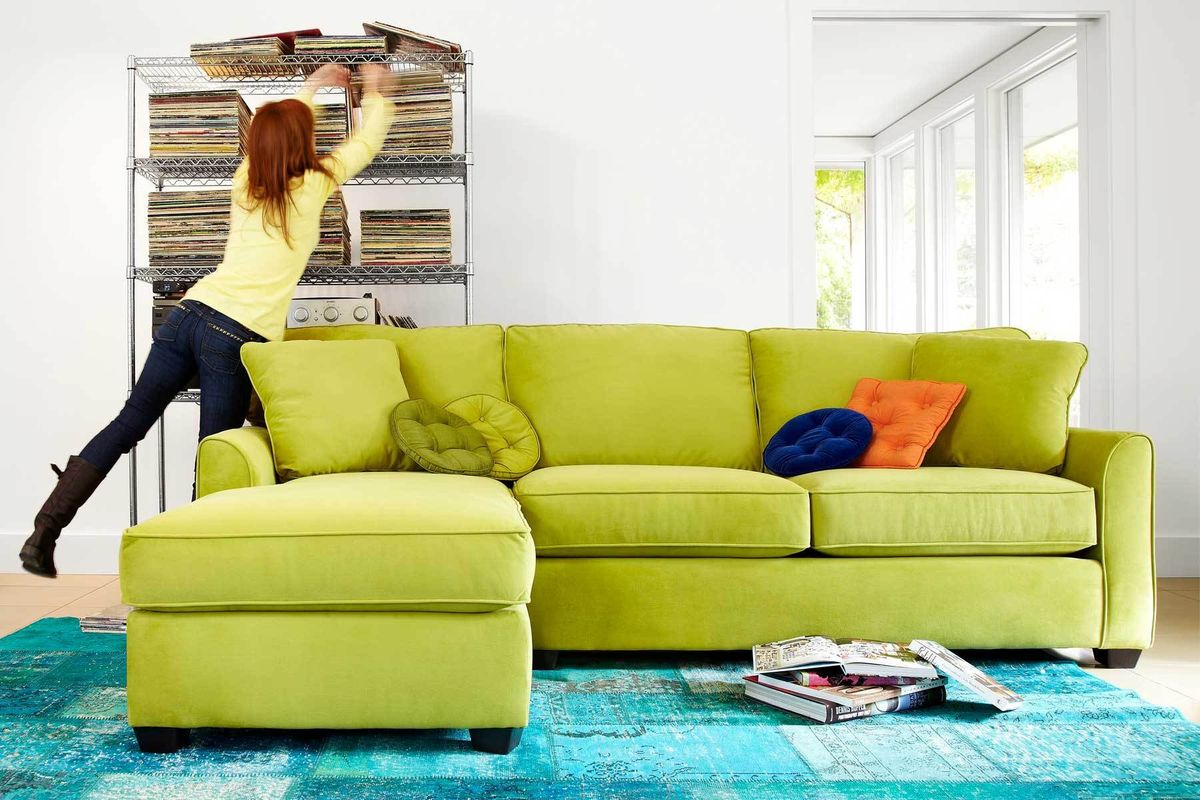1green_couch