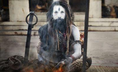 sadhu_fire1_v06.jpg
