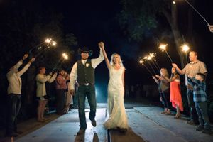 Kristin_Haven_Blacksmith_Fork_Canyon_Hyrum_Utah_Sparkler_Sendoff.jpg