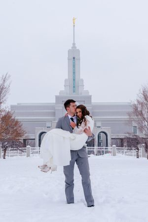 Shauna_Blake_Northampton_House_American_Fork_Utah_Groom_Carrying_Bride_Timpanogos_Temple.jpg
