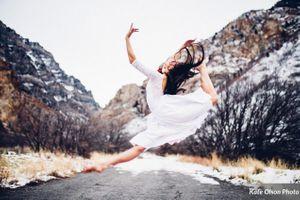 Romantic_Winter_Shoot_Bride_Ballet.jpg
