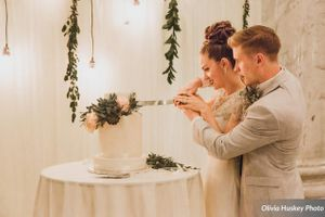 Lexie_Neil_Utah_State_Capitol_Salt_Lake_City_Utah_Bride_Groom_Cutting_Cake.jpg