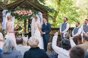 Claire_Scott_Millcreek_Inn_Salt_Lake_City_Utah_Bride_Groom_Wedding_Ceremony_Laughing.jpg