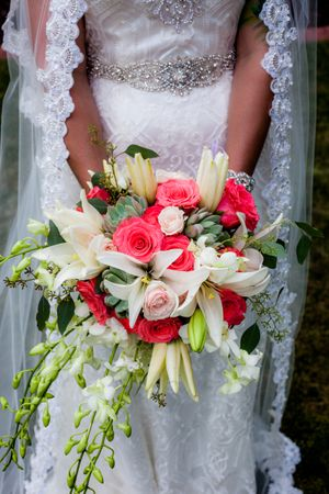 Natalie_Brad_South_Jordan_Utah_Bridal_Bouquet.jpg