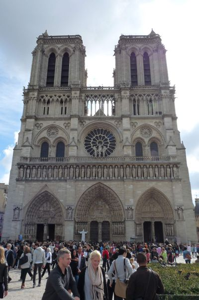 Is_a_Destination_Wedding_in_Your_Future_Paris_France_Notre_Dame_1.jpg