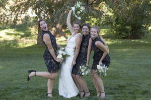 McCall_Brad_High_Star_Ranch_Kamas_Utah_Bride_Bridesmaids_Celebrating.jpg