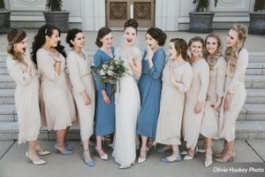 Lexie_Neil_Utah_State_Capitol_Salt_Lake_City_Utah_Bride_Bridesmaids_Having_Fun_Outside_Bountiful_Temple.jpg