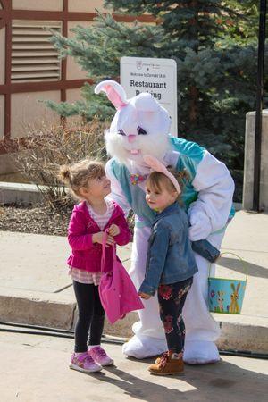 Zermatt_Spring_Extravaganza_2018_Zermatt_Utah_Resort_Midway_Utah_Easter_Bunny_Young_Fans.jpg