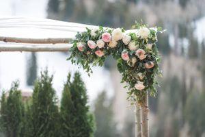 Ilana_Dave_Stein_Eriksen_Lodge_Deer_Valley_Park_City_Utah_Detail_Spring_Flower_Decked_Backdrop.jpg