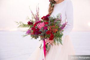 Salt_Air_Wedding_Shoot_Saltair_Resort_Salt_Lake_City_Utah_Detail_Bridal_Bouqet.jpg