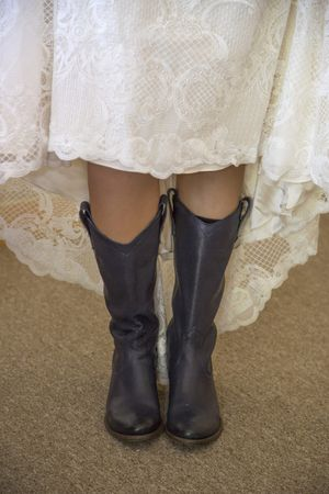 McCall_Brad_High_Star_Ranch_Kamas_Utah_Bride_in_Boots.jpg