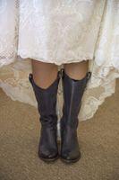 McCall_Brad_High_Star_Ranch_Kamas_Utah_Bride_in_Boots.jpg