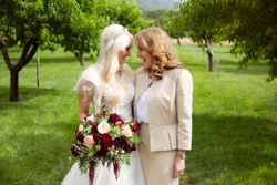 Tori_Sterling_Quiet_Meadow_Farms_Mapleton_Utah_Bride_Mother_in_Orchard.jpg