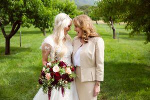Tori_Sterling_Quiet_Meadow_Farms_Mapleton_Utah_Bride_Mother_in_Orchard.jpg