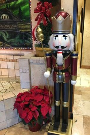 Zermatt_Swiss_Christmas_2017_Zermatt_Utah_Resort_Midway_Utah_Nutcracker_Decor.jpg
