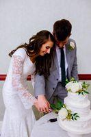 Shauna_Blake_Northampton_House_American_Fork_Utah_Cutting_Cake.jpg