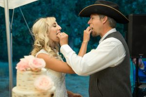 Kristin_Haven_Blacksmith_Fork_Canyon_Hyrum_Utah_Couple_Feeding_Each_Other_Cake.jpg