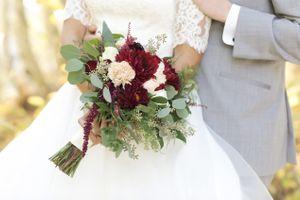 Tina_Dan_Snowbird_Resort_Snowbird_Utah_Stunning_Bouquet.jpg