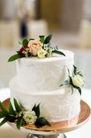 Tessa_Taani_Utah_State_Capitol_Salt_Lake_City_Utah_Detail_Flower_Accented_Wedding_Cake.jpg