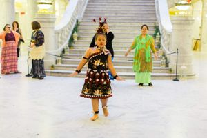 Tessa_Taani_Utah_State_Capitol_Salt_Lake_City_Utah_Young_Girl_Traditional_Tongan_Dance.jpg