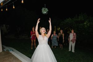 Tasha_Chip_Salt_Lake_City_Utah_Bouquet_Toss.jpg