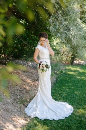 Chloe_Austin_Ben_Lomond_Suites_Ogden_Utah_Great_Gatsby_Bride_Elegant_Dress.jpg