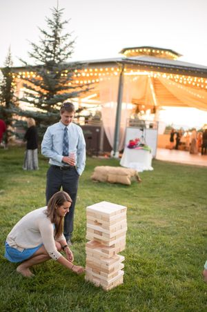 Chelsea_Walker_Red_Cliff_Ranch_Heber_City_Utah_Lawn_Games_Giant_Jenga.jpg