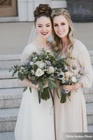 Lexie_Neil_Utah_State_Capitol_Salt_Lake_City_Utah_Bride_Bridesmaid_Bouquets.jpg