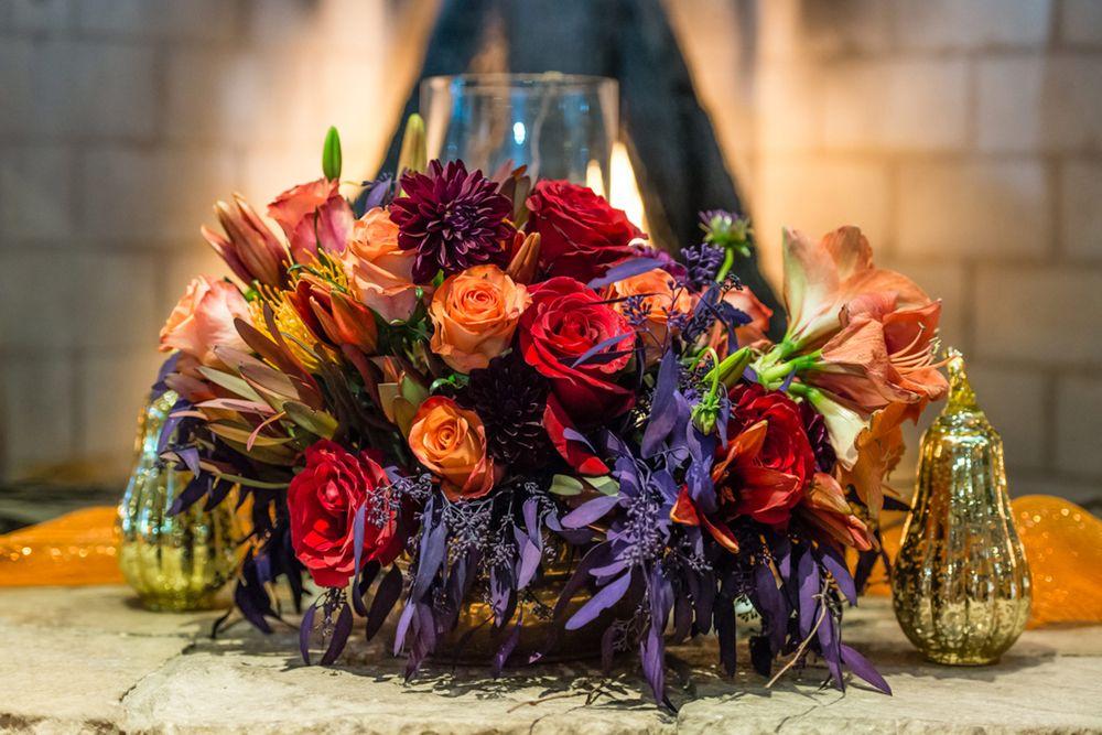 April_Matt_Park_City_Legacy_Lodge_Park_City_Utah_Autumn_Color_Rose_Centerpiece.jpg