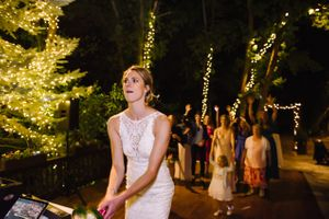 Claire_Scott_Millcreek_Inn_Salt_Lake_City_Utah_Bouquet_Toss.jpg
