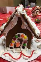 Zermatt_Swiss_Christmas_2017_Zermatt_Utah_Resort_Midway_Utah_Delicious_Gingerbread_House.jpg