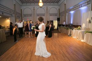 Chloe_Austin_Ben_Lomond_Suites_Ogden_Utah_Great_Gatsby_Ready_to_Toss_Bouquet.jpg