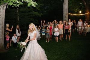 Brianne_Braden_Monument_Park_Stake_Center_Salt_Lake_City_Utah_Bouquet_Toss.jpg