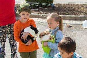 Zermatt_Spring_Extravaganza_2018_Zermatt_Utah_Resort_Midway_Utah_Boy_Girl_Rabbit.jpg