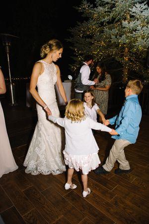 Claire_Scott_Millcreek_Inn_Salt_Lake_City_Utah_Bride_Dancing_Children.jpg