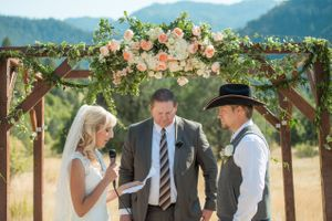 Kristin_Haven_Blacksmith_Fork_Canyon_Hyrum_Utah_Wedding_Vows_Bride.jpg