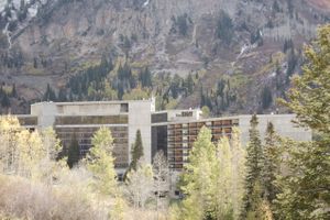 Tina_Dan_Snowbird_Resort_The_Lodge.jpg