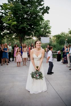 Liz_Jordan_Tracy_Aviary_Salt_Lake_City_Utah_Bouquet_Toss.jpg