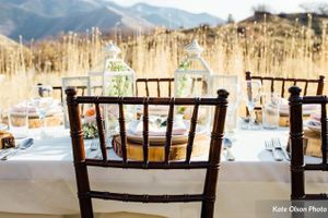 Charming_Barn_Wedding_Quiet_Meadow_Farms_Mapleton_Utah_Stylish_Table_Field.jpg