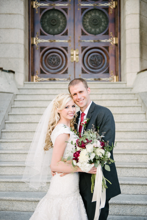 Brianne_Braden_Monument_Park_Stake_Center_Exstatic_Couple_Outside_Salt_Lake_Temple.jpg