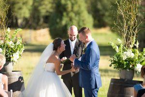 Chelsea_Walker_Red_Cliff_Ranch_Heber_City_Utah_Laughing_Bride_Vows.jpg
