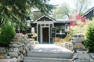 Claire_Scott_Millcreek_Inn_Salt_Lake_City_Utah_Entrance.jpg
