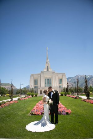 Chloe_Austin_Ben_Lomond_Suites_Ogden_Utah_Great_Gatsby_Bride_Groom_Ogden_Temple.jpg